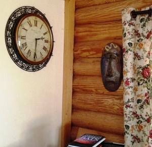 Cabin Clock Mask 0413