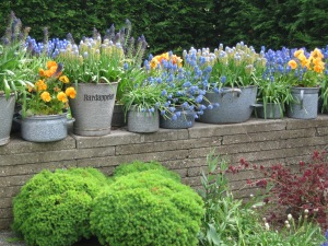 Holland Ke tulip pot wall